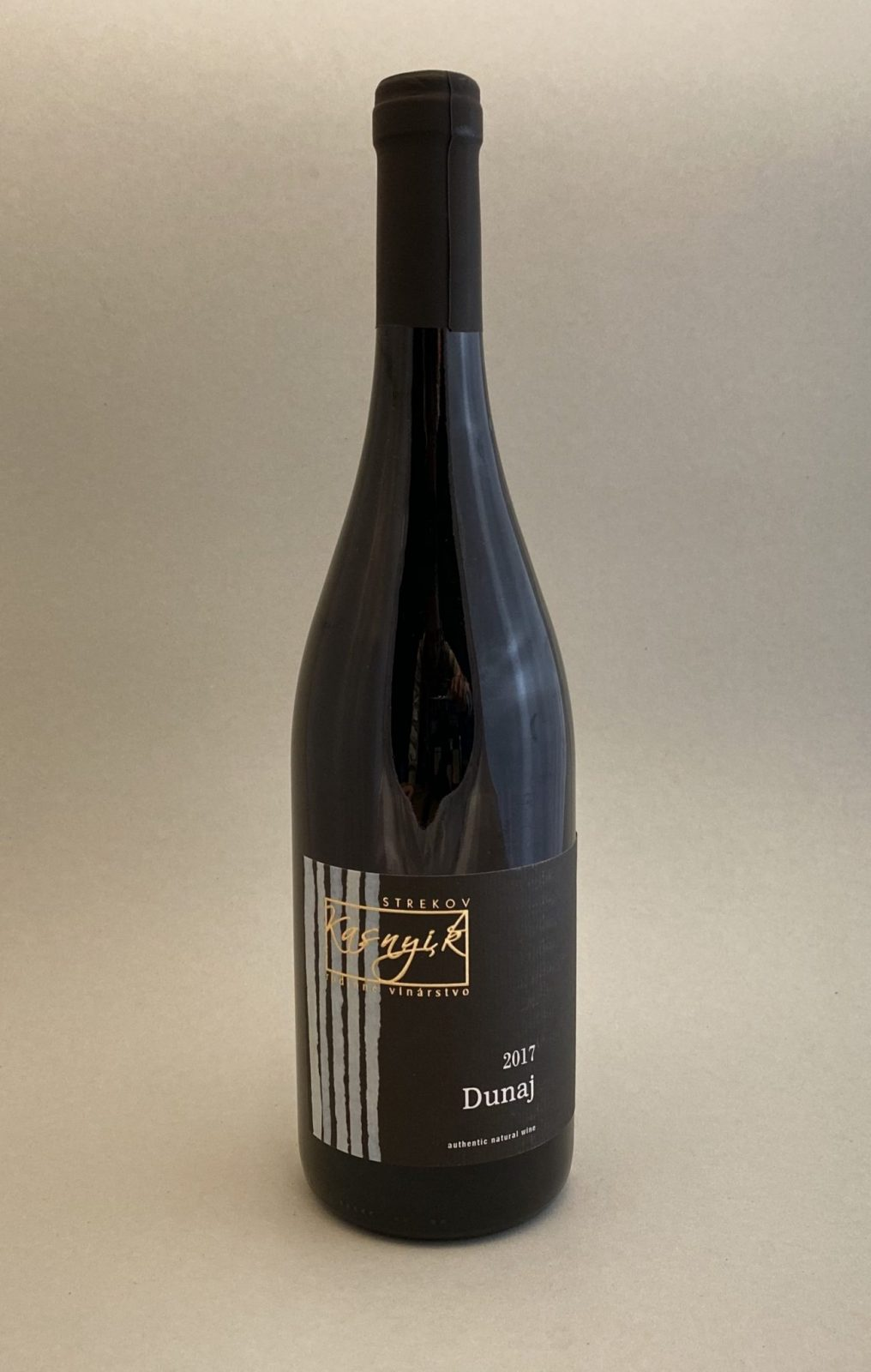 KASNYIK Dunaj 2017, vinotéka v Slnečniciach, slovenské červené víno, Bratislava Petržalka, Sunny Wines