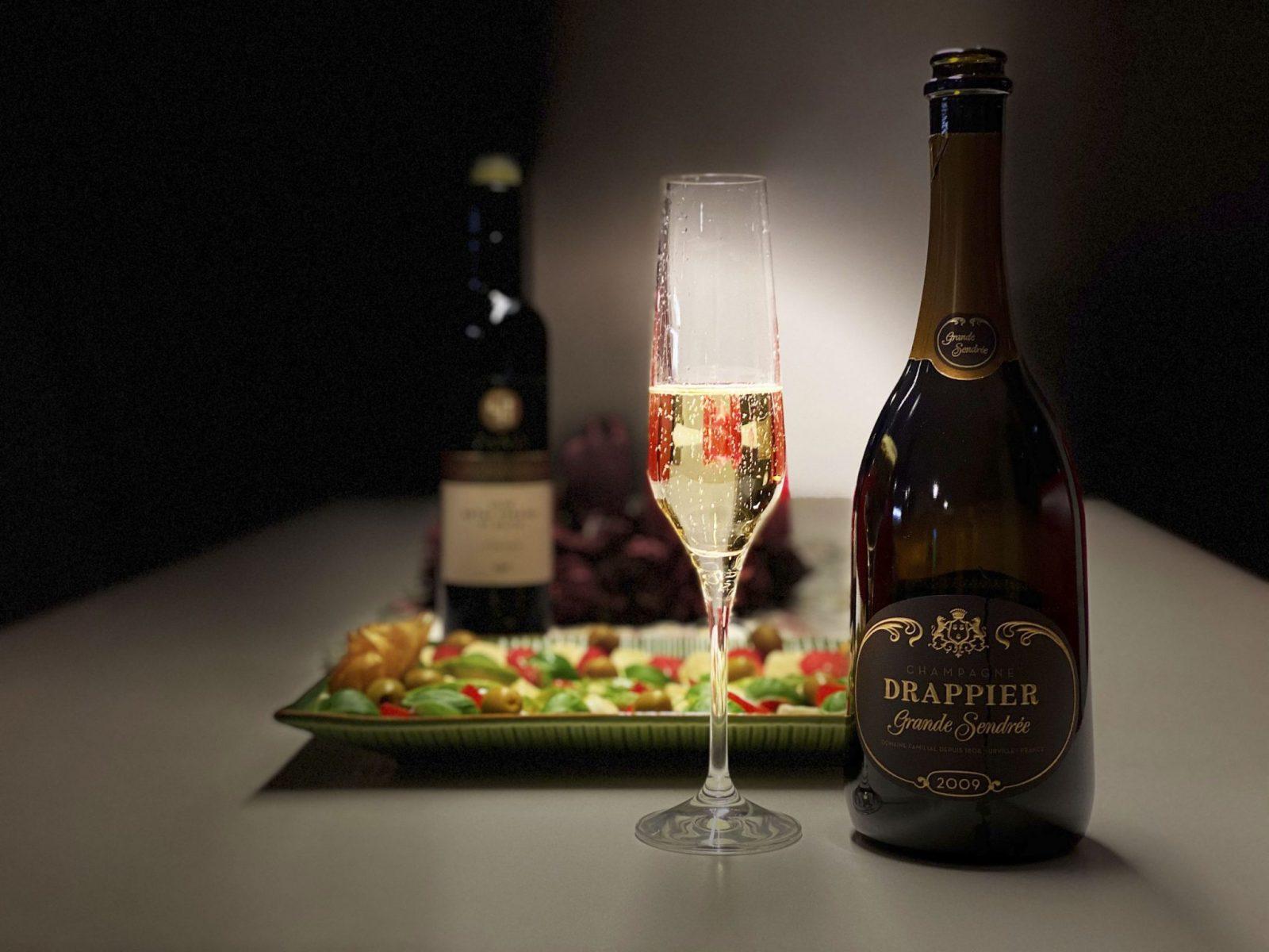 Pripime si štýlovo na nový rok 2021, čo sa hodí na nezabudnuteľný prípitok, vinoteka Sunnywines, Champagne, Prosecco, Crémant d'Alsace, Cava, Degustácia vín, komentované ochutnávky, vinoteka bar Sunny wines Slnečnice mesto Bratislava Petržalka